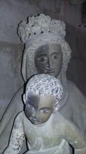Detalle de la limpieza realizada en la Virgen y el Niño del grupo de la Epifanía